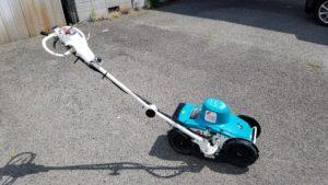 電動自走式草刈機